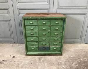 Petit Meuble à Tiroirs : petit meuble de m tier vert 18 tiroirs ~ Teatrodelosmanantiales.com Idées de Décoration