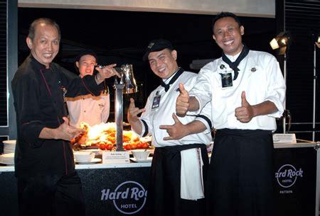 eat   balinese beat  hard rock hotel sept   pattaya mail