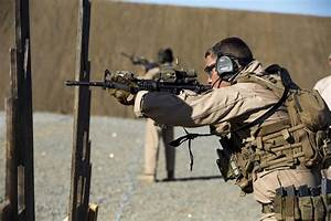 DVIDS - Images - Recon Marines train for close quarters ...