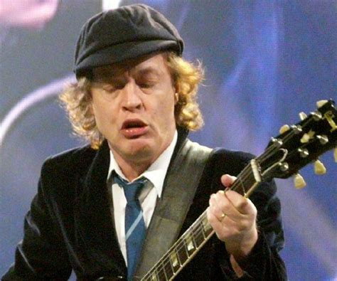 angus young biography childhood life achievements
