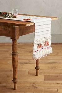 Chemin De Table Design : d co table mariage rouge et blanc en 40 id es originales ~ Teatrodelosmanantiales.com Idées de Décoration