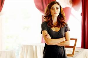 "New Stills of Phoebe Tonkin as Hayley in 1.01 ""Always and ..."