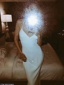 selfie mirror gigi hadid shows off her victoria s secret ...
