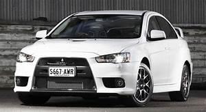 Mitsubishi Lancer Evolution updated for 2014 Photos (1 of 8)