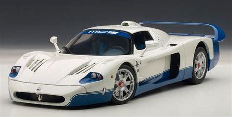 AutoArt 1:18 Maserati MC12 in Pearl White Model Car in 1 ...