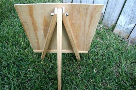 easel  happy housewife home management