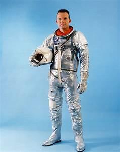 Mercury astronaut Gordon Cooper dies | collectSPACE