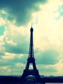 Paris Eiffel Tower iPhone 5 Wallpaper