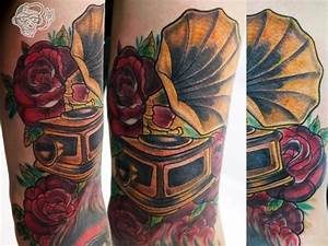 Arm Flower Gramophone Tattoo by Customiz Arte