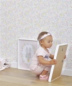 le de papier peint enfant fleurs et oiseaux lilipinso With affiche chambre bébé avec livraison fleurs haut de gamme