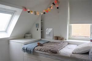Lichterkette Im Zimmer : jugendzimmer mit dachschr ge 35 ideen f r die gestaltung ~ Markanthonyermac.com Haus und Dekorationen