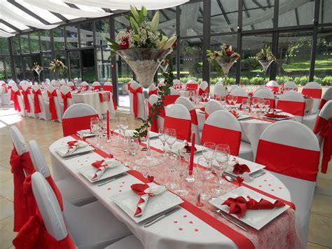 decoration mariage en rouge  blanc