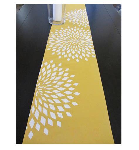 graphic zinnia table runner yellow white
