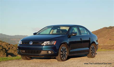 Review 2013 Volkswagen Jetta Hybrid (video)  The Truth
