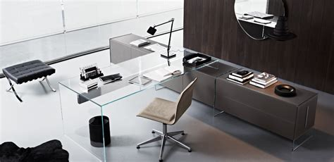 scrivania in cristallo curvato air desk di gallotti radice
