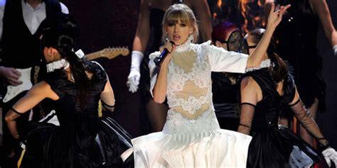 Taylor Swift Akui Lagunya Bercerita Tentang Harry Styles