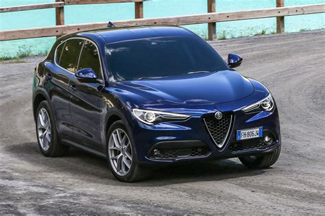 Alfa Romeo Car : Alfa Romeo Stelvio (2017) Review