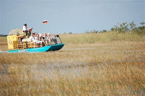 Boat Rentals Near Ta Fl by The Miccosukee Airboat Picture Of Miccosukee Indian