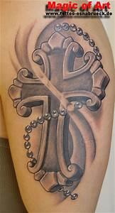 Kreuz Tattoo Oberarm : tattoos zum stichwort kreuz tattoo lass deine tattoos bewerten ~ Frokenaadalensverden.com Haus und Dekorationen