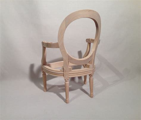 fauteuil medaillon louis xvi fauteuil louis xvi m 233 daillon enfant les beaux si 232 ges de