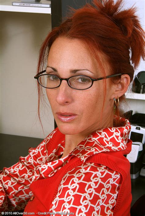 Skinny Redheaded Cougar Skyla Undresses And Opens At The