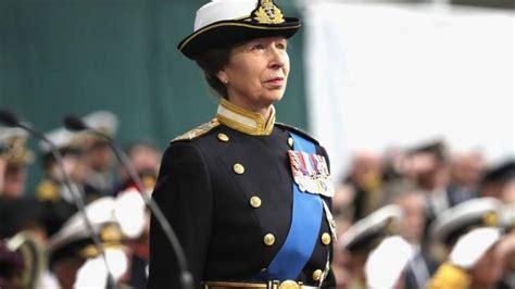 Princese Anna: Pirmā sieviete Karalisko jūras kājnieku ģenerālkapteine | Sargs.lv