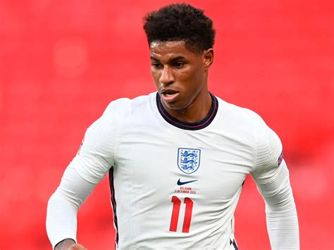 Could you please write some ansgt with marcus rashford?? Marcus Rashford 'proud' of MBE and round of applause with England but focused on 'keeping ...