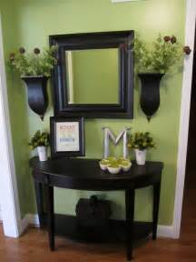Small Entry Way Table with Mirror