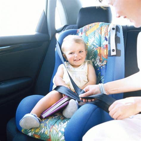 siege auto qui s incline sécurité enfant les sièges auto pas toujours adaptés aux