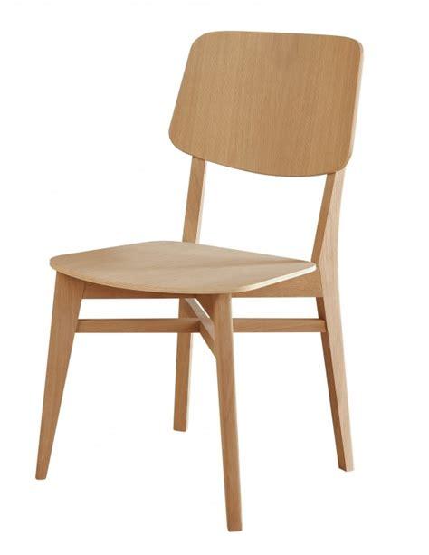 peindre des chaises en bois chaise en bois brut à peindre chaise idées de