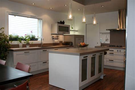 changer plan de travail cuisine davaus modele cuisine plan de travail avec des