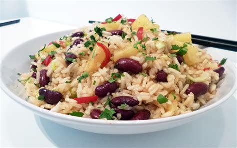 cuisine salade de riz salade de riz à l 39 ananas la recette facile par toqués 2