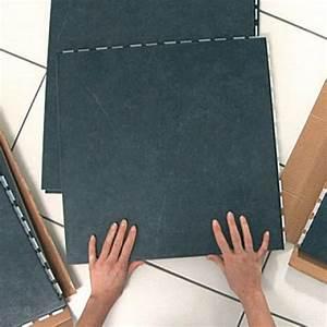 Dalle Pvc Adhesive Sur Carrelage : comment poser des dalles adhesives sur du carrelage ~ Premium-room.com Idées de Décoration