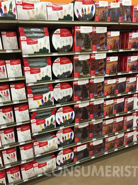 fred meyer kicks off christmas decoration season on labor