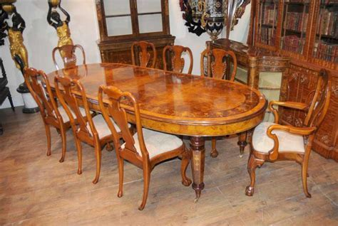 Walnut Victorian Dining Table Queen Anne Chair Set