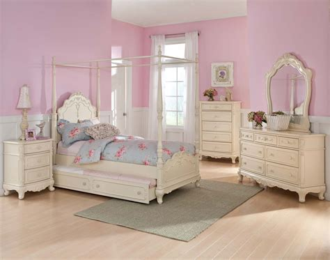 Homelegance Cinderella Full White Pc Canopy Bedroom Set