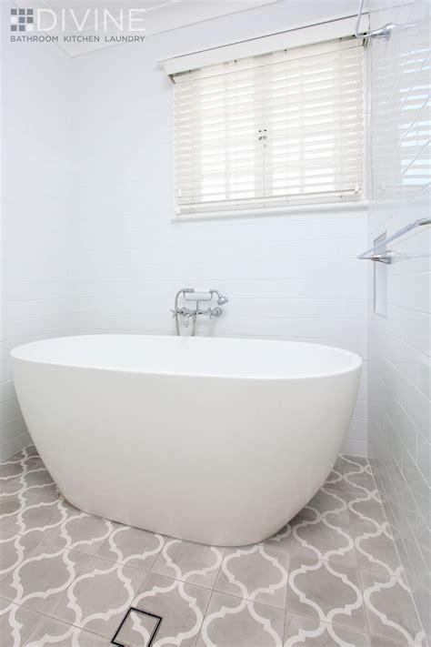Badezimmer Fliesen Klassisch by Charming And Bathroom Renovation
