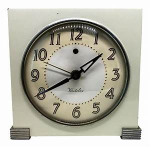 1940s westclox deco mantle clock chairish for Kitchen cabinet trends 2018 combined with wall clock art deco