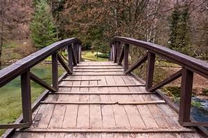 Petit Pont En Bois : petit pont en bois photo stock image 44257030 ~ Melissatoandfro.com Idées de Décoration