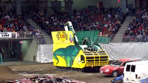 youtube monster truck show car crusher at the monster truck show 1 youtube