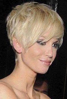 Coupe De Cheveux Blonde Courte
