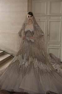 20 gorgeous and glamourous metallic wedding dresses for Metallic wedding dress