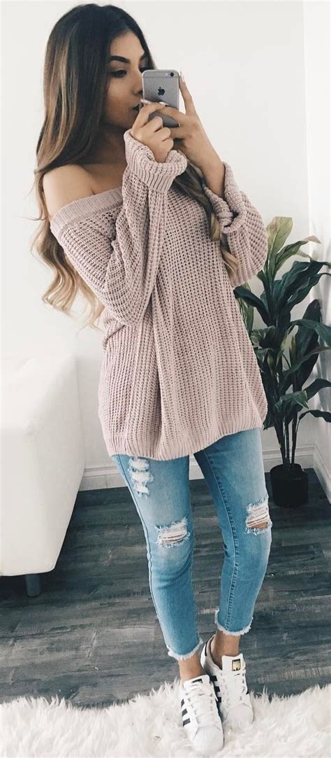 Photo Cute outfit / nude sweater + ripped jeans + sneakers