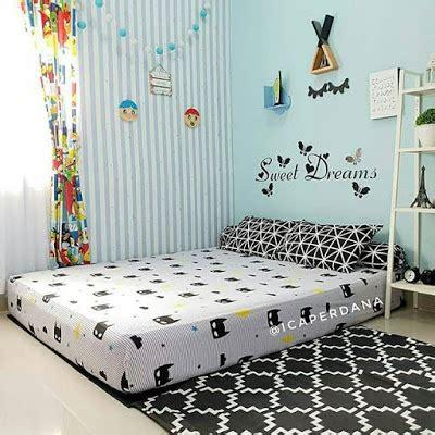 kamar nuansa hitam putih sederhana desain kamar