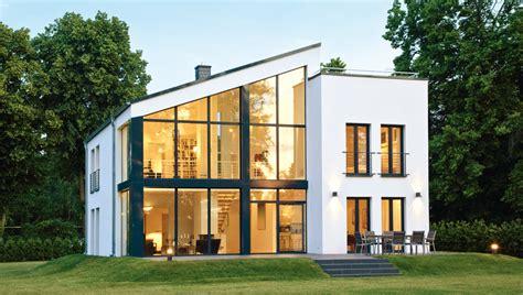 Moderne Zweigeschossige Häuser by Mit Galerie Und Dachterrasse Fertighausscout De