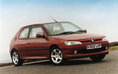 Peugeot Hatchback by Peugeot 306 Hatchback Review 1993 2001 Parkers