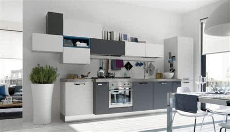 model de cuisine simple la cuisine grise plutôt oui ou plutôt non