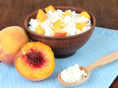 Cottage Cheese Peaches Recipe And Nutrition Eat This Much