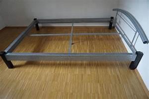 Bett 140x200 Metall : bett metall 140x200 zu verschenken in m nchen betten kaufen und verkaufen ber private ~ Markanthonyermac.com Haus und Dekorationen