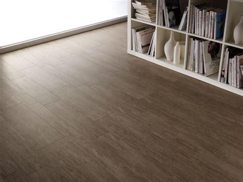 piastrelle legno prezzi tipologie di ceramica effetto legno pavimentazioni